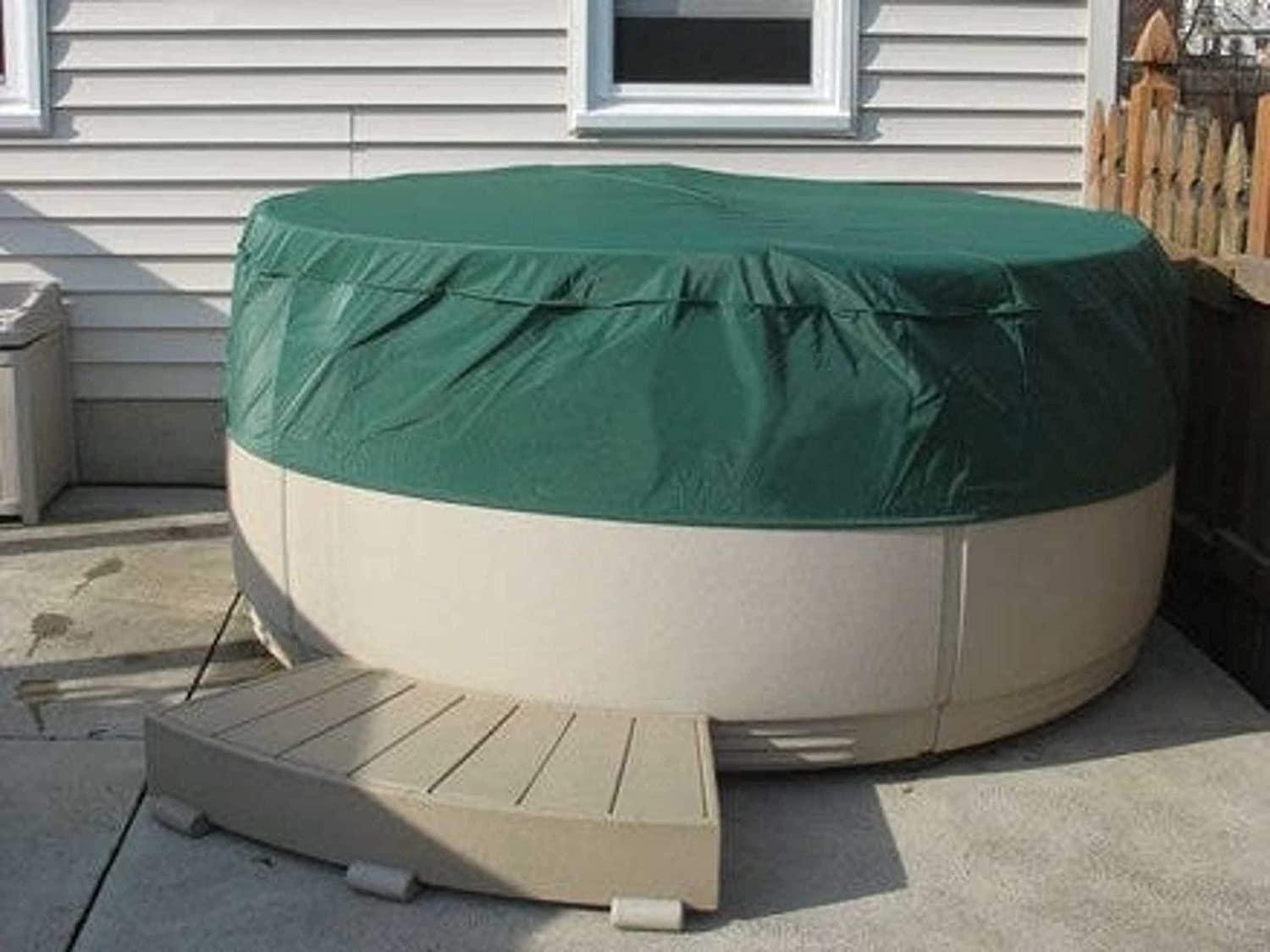 Replacement cover for inflatable hot tub